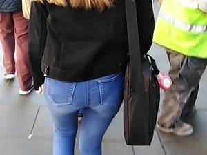 VPL tight topshop jeans (Spring is here) candid Uk