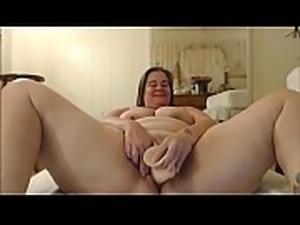 Horny BBW masturbates phat pussy