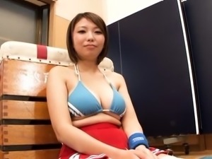 Unshaved asian wench gets licked