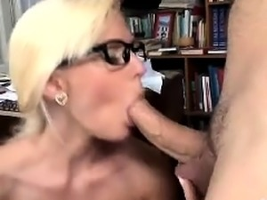 Busty tattooed blonde Nicole Malice fuck and blowjob in POV