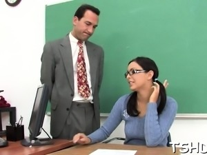 Schoolgirl has the first hardcore meeting with a older man