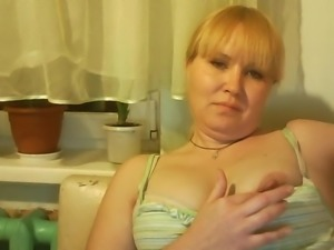 Hot Russian mature mom Tamara play on skype
