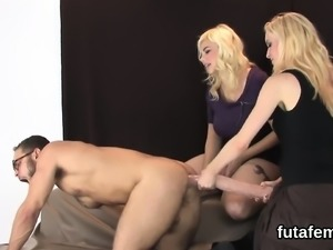 Teens shag fellows asshole with big strapon dildos and blast