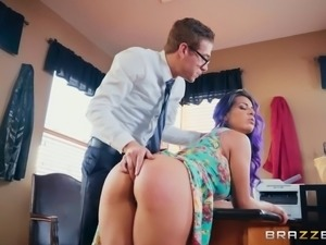 Stunning Yurizan Beltran enjoys being a part of a kinky sex game