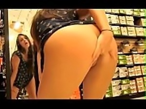 www.fuck4teen.cf - Exhib au magasin -002