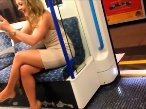 Street voyeur finds a ravishing blonde with sexy long legs